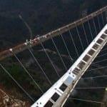 en-uzun-ve-en-yüksek-köprü-6-150x150 Dünyanın En Uzun ve Yüksek Cam Köprüsü