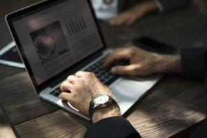 internetten-yapılabilecek-iş-fikirleri-300x200 İnternette Yapılabilecek İş Fikirleri